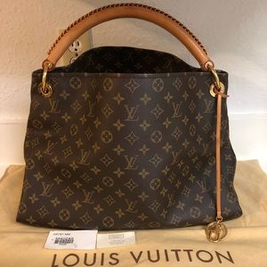 Louis Vuitton Artsy MM monogram handbag